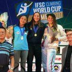 Aries_china_podium | Aries Susanti Rahayu saat naik podium kedua nomor women speed Climbing World Cup 2017 di Xiamen, Minggu (15/10)